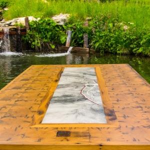 Tischplatte_am_teich